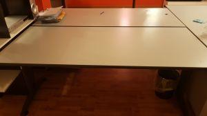 Vendo scrivanie + armadio metallo in ottime condizioni – AFFARONE