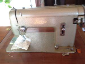 Vendo macchina da cucire antica – Cogollo del Cengio – Vicenza